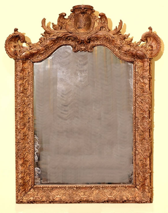 Royal Régence small mirror with superb original gilding