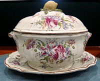 Olivier a Paris tureen, cover and stand